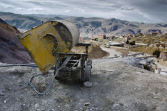 Пустая тележка шахты на входе серебряного рудника Cerro Rico, Potosi Стоковое Изображение