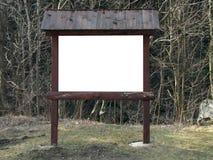 Пустая туристская стойка карты в forrest Стоковые Фото