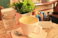 Пустая чашка зеленого чая Стоковые Изображения