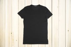 Пустая черная рубашка стоковое изображение