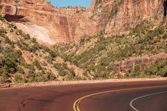 Пустое сценарное шоссе в Юте стоковое фото