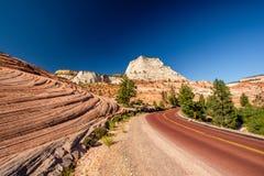 Пустое сценарное шоссе в Юте стоковая фотография rf
