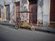 Пустое Bicitaxi Camaguey Куба Стоковые Изображения