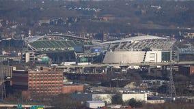 Пустое Paul Brown Stadium близко городской Цинциннати в зиме сток-видео