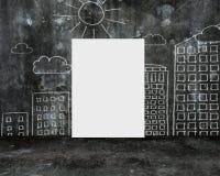 Пустое whiteboard с стеной doodles на темной конкретной комнате Стоковые Фотографии RF