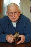 пустой бумажник старшия человека s Стоковое Изображение RF