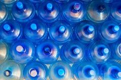 Пустой голубой прозрачный галлон вод Стоковая Фотография RF