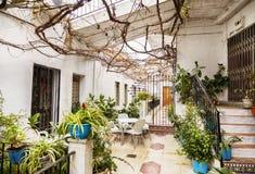 Пустой двор в деревне Mijas Стоковое Фото