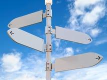 Пустой дирекционный столб знаков Стоковое Изображение RF