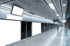 Пустой дисплей знамени продвижения на стене крытой, рекламирующ внутри Стоковые Фото