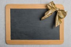 Пустой деревенский шифер доски рождества с шнурком стоковое фото