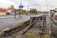 Пустой железнодорожный вокзал конца в Турку Финляндия стоковые фото