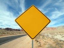 пустой знак хайвея пустыни стоковые фотографии rf