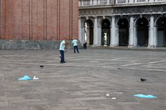 Пустой квадрат St Mark в Венеции Италии рано утром стоковая фотография rf