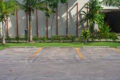 Пустой космос в месте для стоянки автомобиля на внешнем парке Стоковая Фотография RF