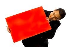 пустой красный цвет человека владением визитной карточки Стоковые Изображения RF
