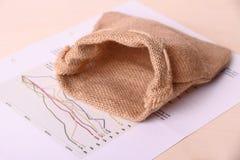 Пустой мешок реднины на негожем инвестирует бумаги Стоковое Фото