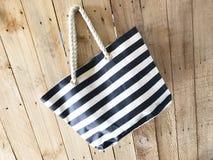 Пустой модель-макет сумки холста Tote Стоковое Изображение