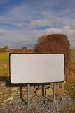 Пустой дорожный знак в Ирландии Европе Стоковое Изображение RF