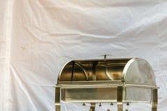 Пустой пищевой контейнер сделанный из стали Стоковые Фото