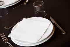 Пустой ресторан плиты Стоковое Изображение RF