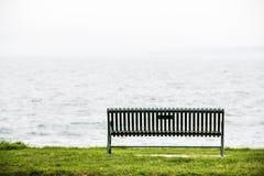 Пустой стенд с видом на океан Стоковая Фотография RF