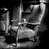 Пустой стул молчаливо ждать стоковое фото rf