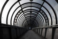 пустой тоннель, пешеходный переход, концепция архитектуры города стоковая фотография rf