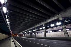 Пустой тоннель на ноче Стоковые Изображения