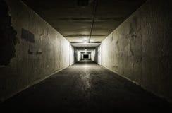 Пустой тоннель на ноче Стоковые Фотографии RF