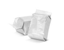 Пустой упаковывая мешок фольги на белизне Стоковые Фото