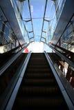 пустой эскалатор стоковое изображение rf
