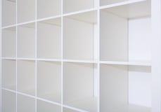 Пустые белые книжные полки, полки Стоковые Фото