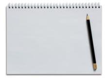 Пустые белые спиральная тетрадь и карандаш стоковое фото rf