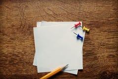 Пустые белые страницы памятки Стоковое Изображение