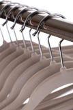 Пустые вешалки одежд Стоковые Фотографии RF
