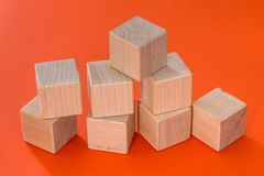Пустые деревянные изолированные блоки кубов Стоковая Фотография