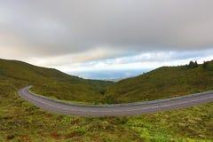 Пустые дороги в сельской местности - Азорских островах - Португалии Стоковая Фотография
