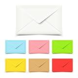 Пустые конверты на белизне, комплекте различных цветов Стоковые Фотографии RF