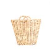 Пустые коричневые плетеные корзины на белой предпосылке Стоковое Изображение RF