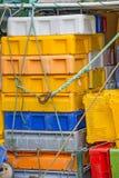 Пустые коробки для рыб на траулере Стоковые Фотографии RF