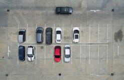 Пустые места для стоянки в супермаркете, вид с воздуха Стоковые Изображения RF