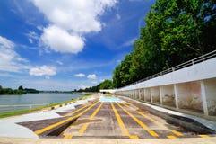 Пустые прогулка города и пляж публики стоковое фото rf