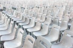 Пустые стулы для MASS. Ватикана Стоковая Фотография