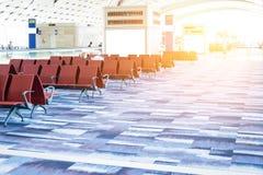 Пустые стулья в зале отклонения на авиапорте Стоковое Изображение