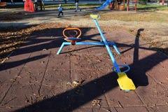 Пустые seesaws для детей в парке Стоковые Фотографии RF