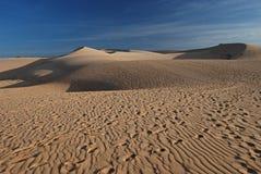 Пустыня, белая песчанная дюна Стоковые Фотографии RF