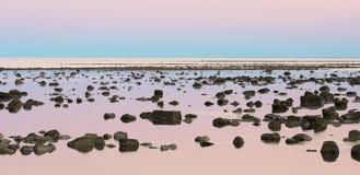 Пустыня камня малой воды залива Гудзона на сумраке Стоковое фото RF