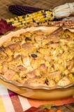 Пустыня пудинга хлеба изюминки с украшениями падения Стоковое Изображение