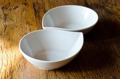 2 пустых белых чашки Стоковые Фото